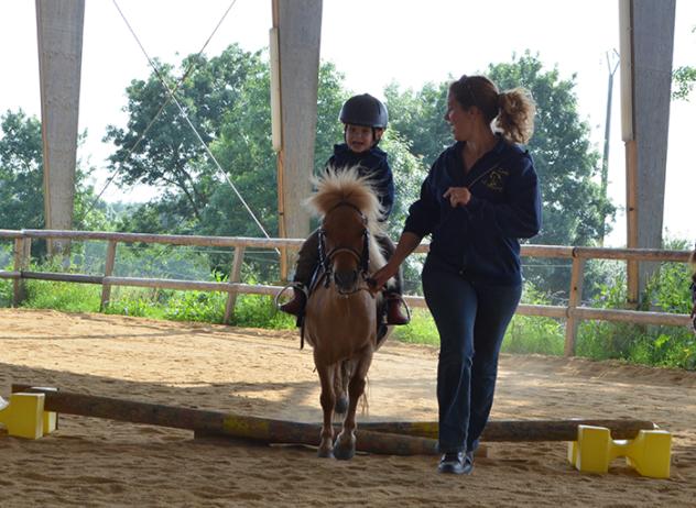 centre-equestre-la-pommeraye-maine-et-loire-baby-poney