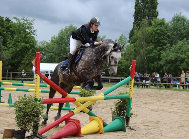 centre-equestre-la-pommeraye-maine-et-loire-obstacle